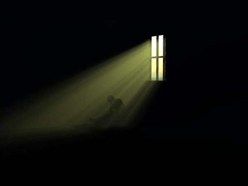Mơ thấy bóng tối đang vây quang mình nên đánh ngay con số đề nào