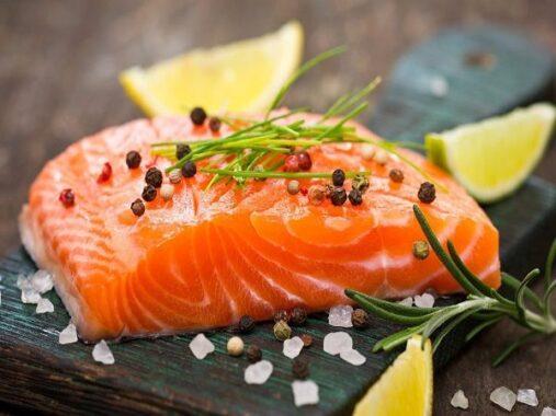 Mơ thấy ăn cá đánh con gì, điềm báo hung hay cát?